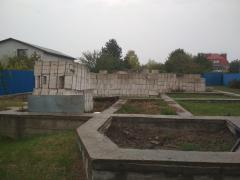 Plot in Obukhov, on Dzyubovka with a fence and foundation